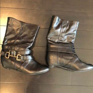 Shoes - Black leather boots with buckle